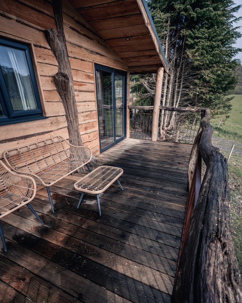 The Pens, Coed Cabins, porch & balcony - North Wales